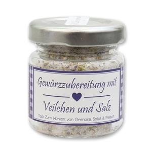 Gewürzzubereitung mit Veilchen und Salz