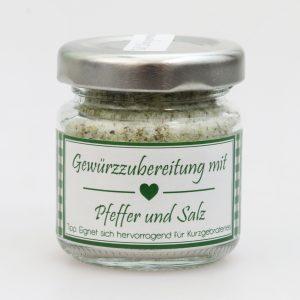 Gewürzzubereitung mit Pfeffer und Salz