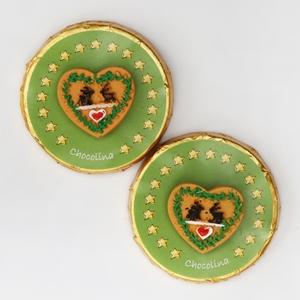 Chocotaler dekoriert mit grünen Herz